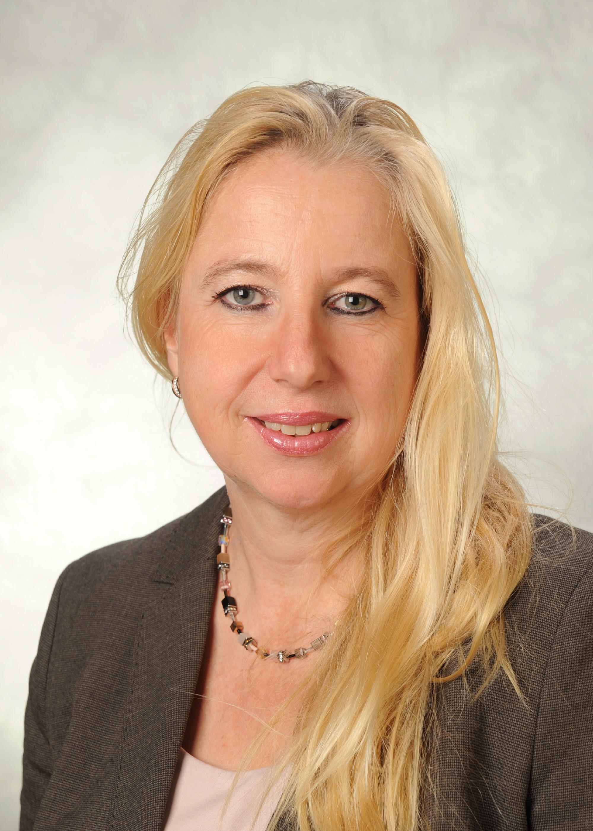 Frau Schmidt-Rosner